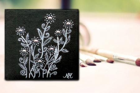 Mono_Flowers_Panel